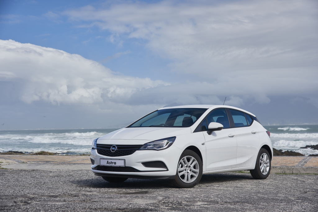 opel astra k arrives in south africa torquing cars. Black Bedroom Furniture Sets. Home Design Ideas