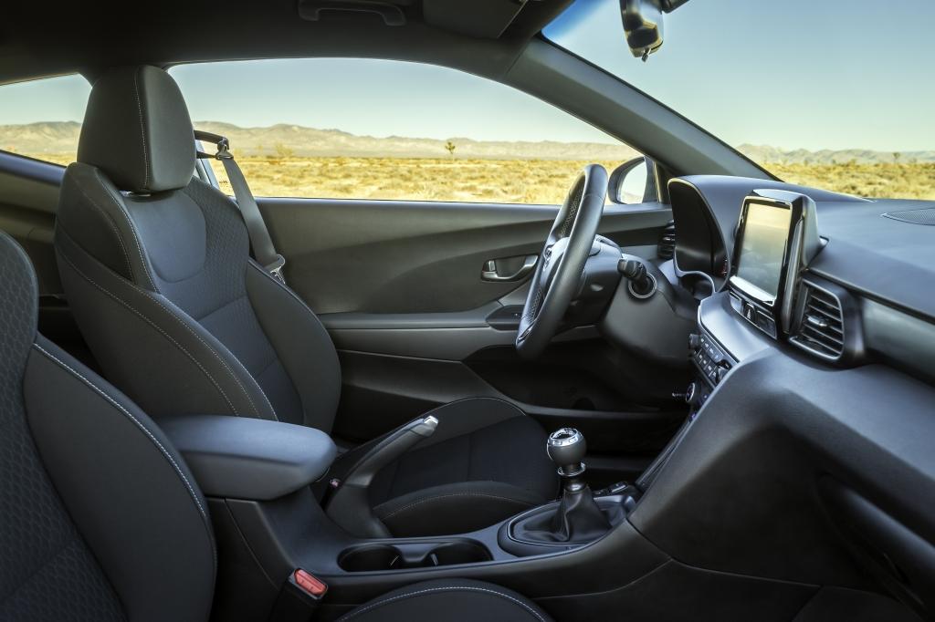 Hyundai unveils Veloster N performance hatchback • Torquing Cars